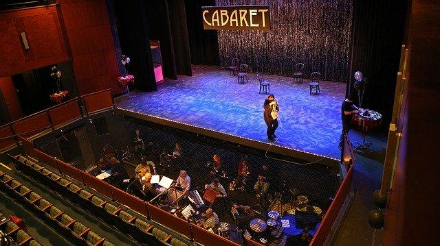 Et pourquoi ne pas se détendre dans un cabaret?
